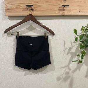 Lululemon high waisted biker shorts size 4